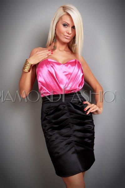 Elegantné šaty DELUXE c102ae70e01