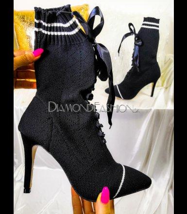 70f5568970 Štýlové textilné kotníkové čižmy