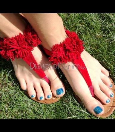 ed8f0e90683d Červené strapcové sandálky